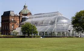 14. Ian Dunn - Glimpses of Glasgow Green (Agnes Dunn)